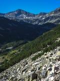 Paesaggio stupefacente con il picco di Banderishki Chukar, montagna di Pirin Immagine Stock