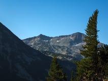 Paesaggio stupefacente con il picco di Banderishki Chukar, montagna di Pirin Immagini Stock