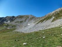 Paesaggio stupefacente dall'itinerario a scalare un picco di Vihren, montagna di Pirin Fotografie Stock