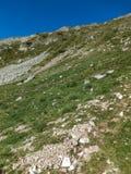 Paesaggio stupefacente dall'itinerario a scalare un picco di Vihren, montagna di Pirin Fotografia Stock