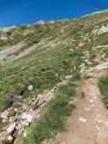 Paesaggio stupefacente dall'itinerario a scalare un picco di Vihren, montagna di Pirin Fotografie Stock Libere da Diritti