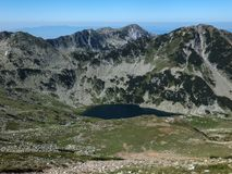 Paesaggio stupefacente dei laghi Vlahini vicino al picco di Vihren, montagna di Pirin Fotografie Stock Libere da Diritti