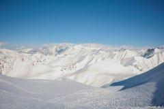 Paesaggio stupefacente dei picchi di alta montagna Fotografia Stock