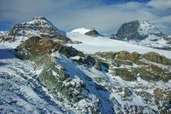 Paesaggio stupefacente del supporto il Cervino coperto di nuvole, alpi, Svizzera Fotografie Stock