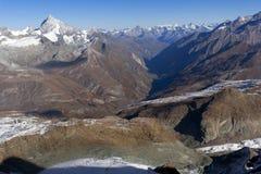 Paesaggio stupefacente di autunno delle alpi svizzere e di Zermatt Fotografie Stock