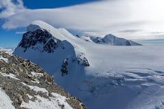 Paesaggio stupefacente di inverno delle alpi e del supporto svizzeri Breithorn, Svizzera Fotografie Stock Libere da Diritti