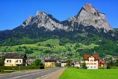 Paesaggio svizzero della montagna da Svitto, Svizzera Fotografie Stock Libere da Diritti