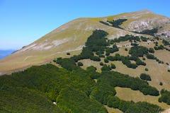 Paesaggio tipico di bello Apennin italiano Fotografia Stock