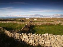 Paesaggio tipico di Inishmore, Irlanda fotografia stock