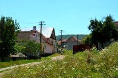 Paesaggio tipico nel villaggio Jibert, contea di Brasov, la Transilvania rovine Immagini Stock Libere da Diritti