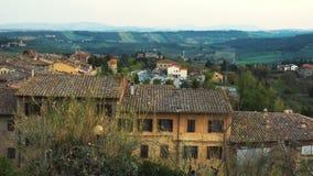 Paesaggio toscano tipico con le belle colline verdi 16 stock footage