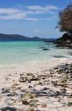 Paesaggio tropicale di giorno di estate della spiaggia Fotografia Stock