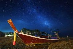Paesaggio tropicale di notte thailand immagini stock