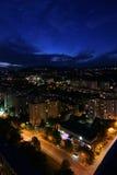 Paesaggio urbano alla notte Fotografie Stock
