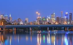 Paesaggio urbano Australia di notte di Melbourne Fotografia Stock Libera da Diritti