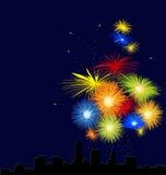 Paesaggio urbano con i fuochi d'artificio Fotografia Stock Libera da Diritti