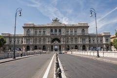 Paesaggio urbano con la Corte suprema di Corte Suprema di Cassazione di cassazione dell'Italia immagine stock