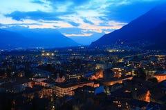 Paesaggio urbano crepuscolare di Bellinzona Fotografie Stock Libere da Diritti