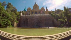 Paesaggio urbano da Barcellona, montagna di Montjuic, museo nazionale catalano stock footage