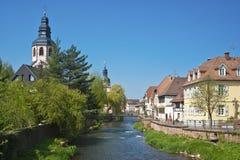 Paesaggio urbano dalle camice del fiume in Ettlingen Fotografia Stock Libera da Diritti