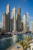 Paesaggio urbano del porticciolo del Dubai, UAE Immagine Stock