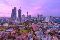 Paesaggio urbano dell'orizzonte di Colombo Sri Lanka fotografie stock libere da diritti