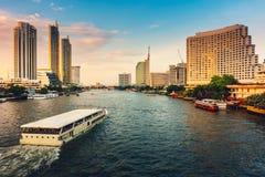 Paesaggio urbano della città di Bangkok e delle costruzioni dei grattacieli della Tailandia , Paesaggio di panorama dell'affare e immagine stock
