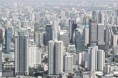 Paesaggio urbano delle costruzioni moderne della città di Bangkok fotografie stock libere da diritti