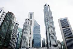 Paesaggio urbano delle costruzioni in scenico del centro immagine stock