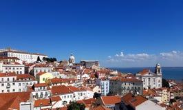 Paesaggio urbano di Alfama, Lisbona fotografia stock libera da diritti