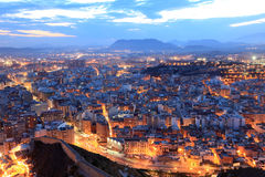 Paesaggio urbano di Alicante alla notte Immagine Stock Libera da Diritti