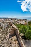 Paesaggio urbano di Almeria con le pareti di Alcazaba & di x28; Castle& x29; Fotografie Stock Libere da Diritti