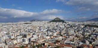 Paesaggio urbano di Atene e della collina di Lycabettus fotografie stock