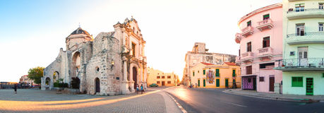 Paesaggio urbano di Avana con St Francis della chiesa di Paula Fotografia Stock Libera da Diritti