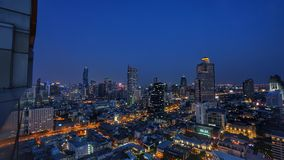 Paesaggio urbano di Bangkok alla notte Immagini Stock Libere da Diritti