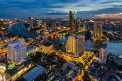 Paesaggio urbano di Bangkok e fiume di Chaophraya Fotografia Stock Libera da Diritti