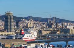 Paesaggio urbano di Barcellona dal porto Fotografie Stock