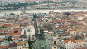 Paesaggio urbano di Budapest e della cupola della basilica di St Stephen stock footage