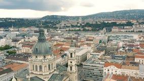 Paesaggio urbano di Budapest e della cupola della basilica di St Stephen archivi video