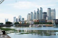 Paesaggio urbano di Buenos Aires, capitale dell'Argentina fotografia stock