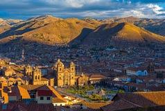 Paesaggio urbano di Cusco al tramonto, Perù fotografia stock libera da diritti