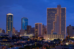 Paesaggio urbano di Fort Worth il Texas alla notte fotografia stock libera da diritti