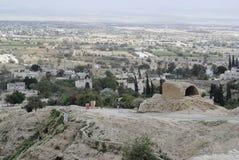 Paesaggio urbano di Gerico dal deserto della Giudea. immagine stock