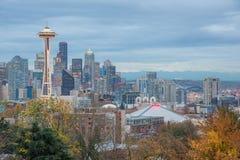 Paesaggio urbano di HDR Seattle in autunno immagine stock