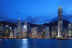 Paesaggio urbano di Hong Kong al crepuscolo Fotografia Stock Libera da Diritti