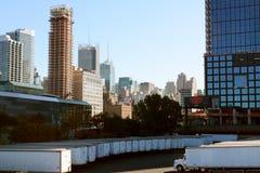 Paesaggio urbano di Manhattan con i blocchetti di torre e la convenzione C di Javits Immagini Stock Libere da Diritti