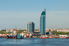 Paesaggio urbano di Montevideo dal distretto del porto Fotografia Stock