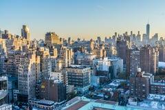 Paesaggio urbano di New York all'alba immagini stock libere da diritti
