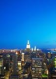Paesaggio urbano di New York nella notte Fotografia Stock Libera da Diritti