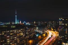 Paesaggio urbano di notte di Berlino Fotografie Stock Libere da Diritti